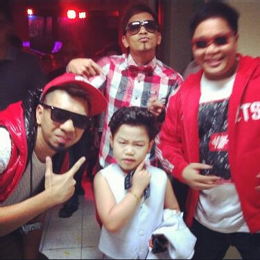 Little Psy Moves His Gangnam Style in It's Showtime!