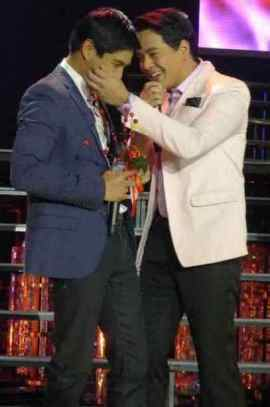 abs-cbn christmas special 2012 coco and john lloyd