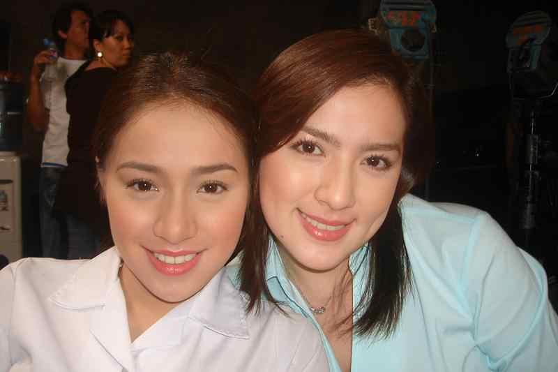 Ara-mina-and-christine-Reyes