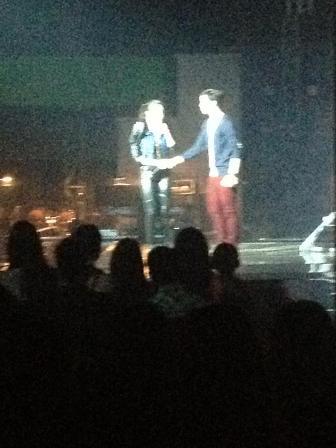 julie ann falls on stage