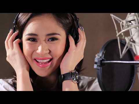 ABS-CBN Christmas Station ID 2013 sarah g