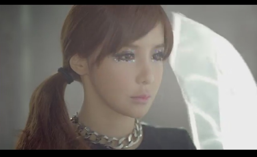Missing You 2NE1 MV3