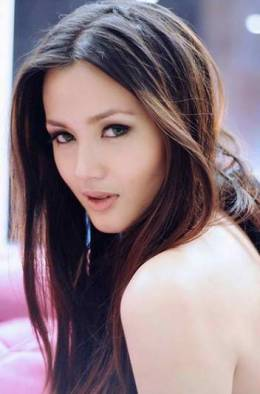 "Deniece Cornejo Strikes Again: ""Vhong Navarro Raped Me Twice"""